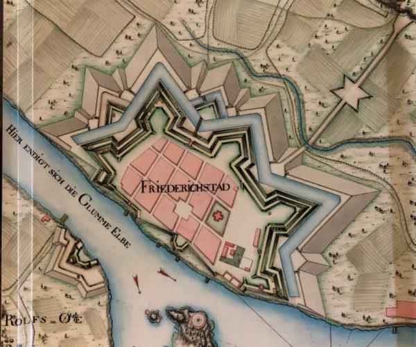 Serveringsbrett (stort) Med Kart Over Gamlebyen Fredrikstad